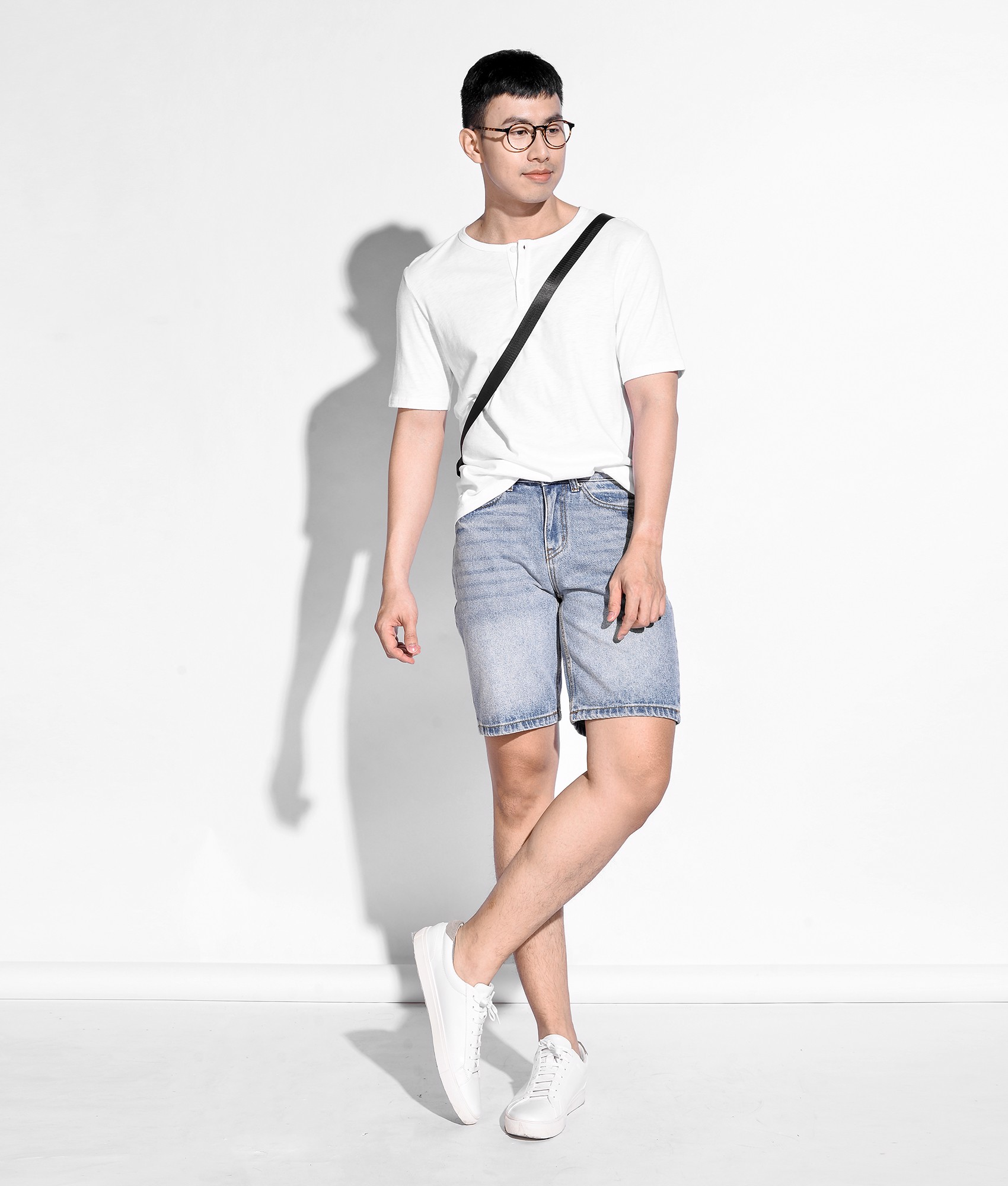 Quần short jeans form straight - 10S20DPS010