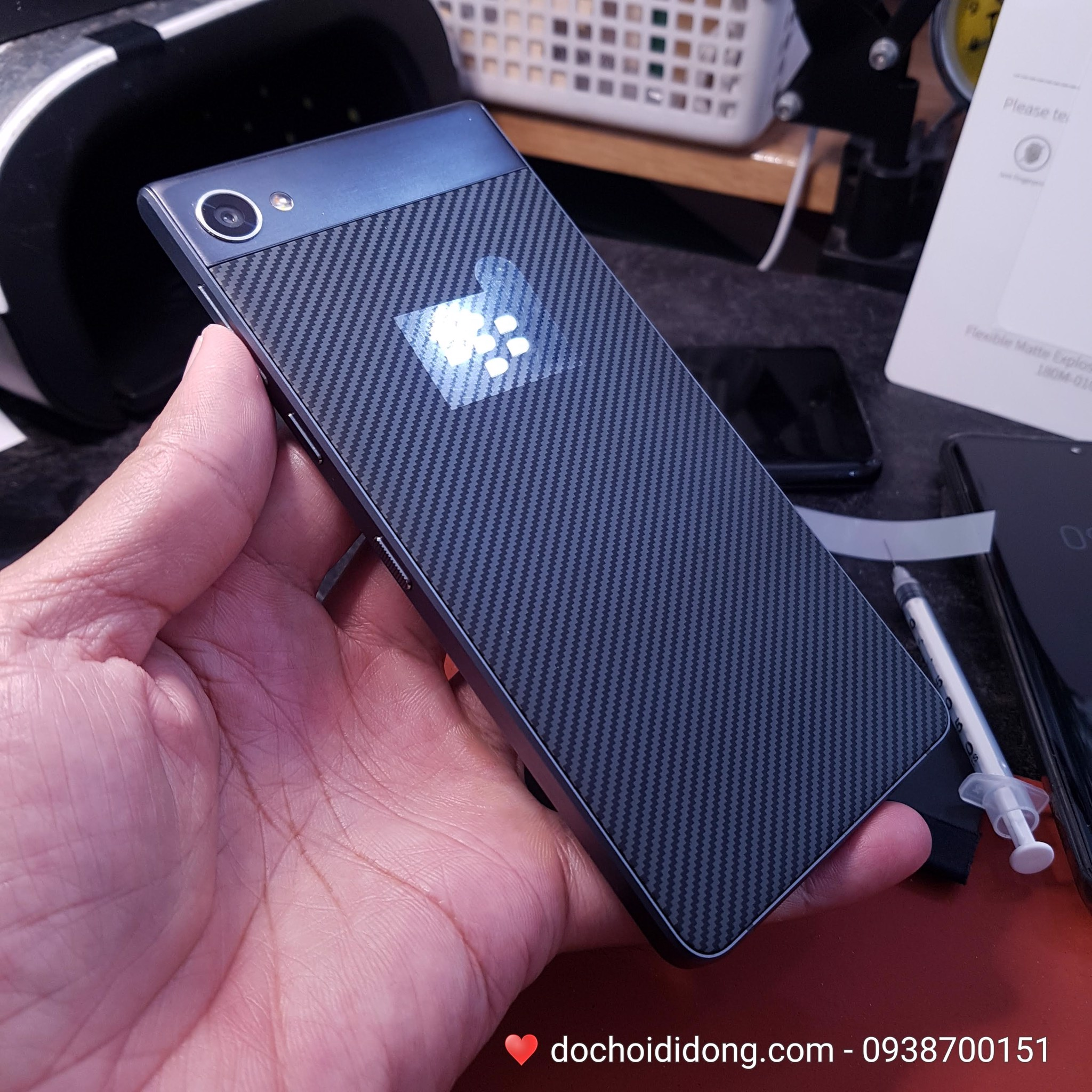 mieng-dan-ppf-rock-blackberry-motion-trong-nham-doi-mau-cao-cap