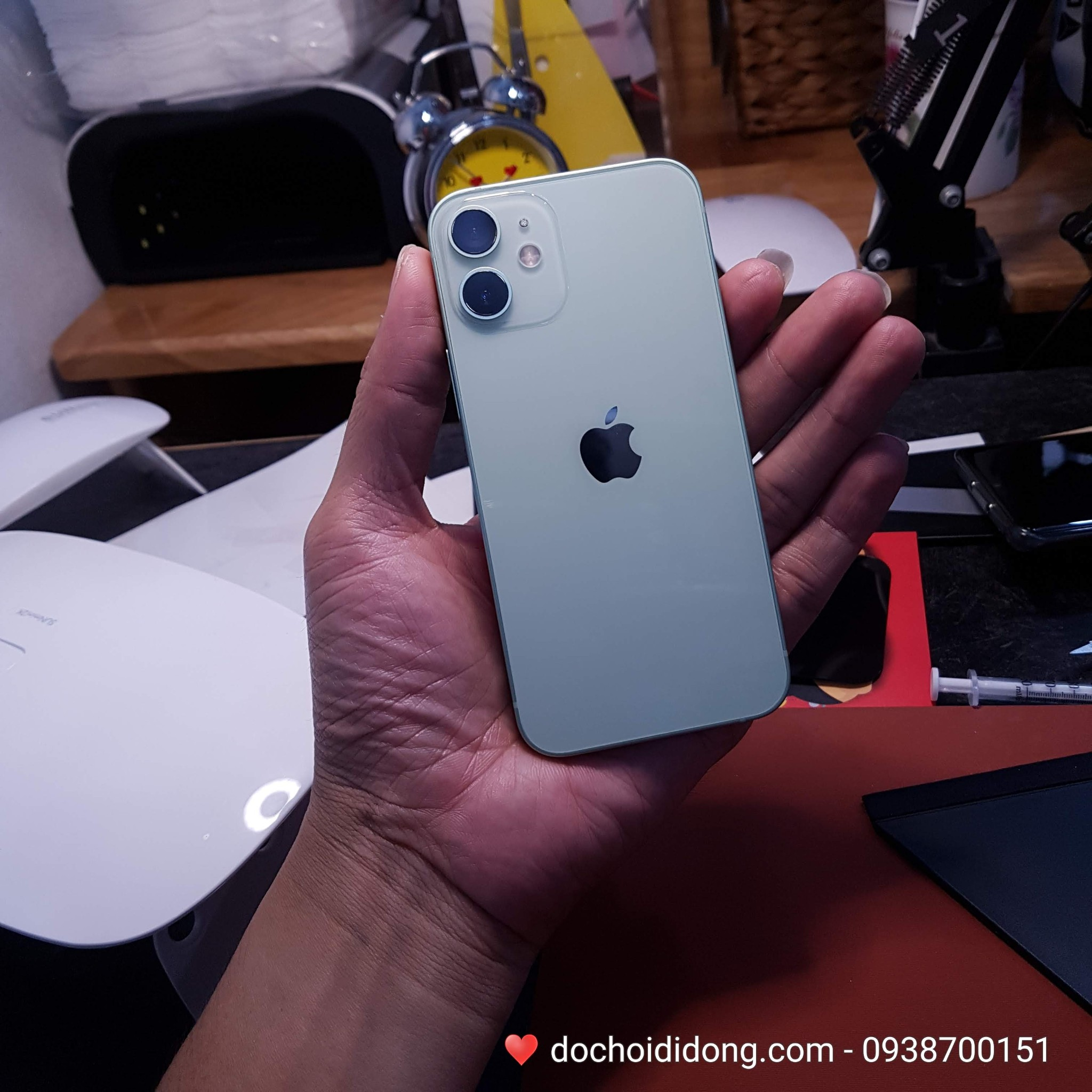 mieng-dan-ppf-rock-iphone-12-mini-trong-nham-doi-mau-cao-cap
