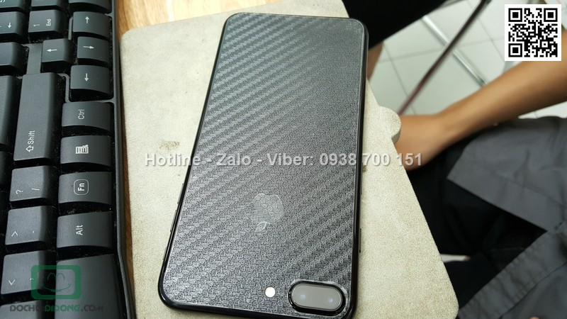 Miếng dán mặt sau iPhone 7 Plus Carbon