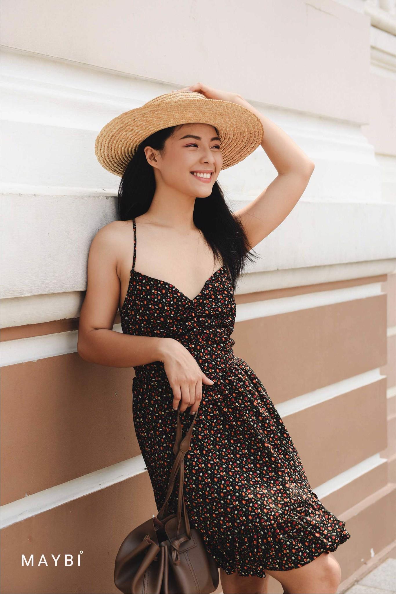 Đầm 2 dây đen nhún ngực Amanda Black Dress