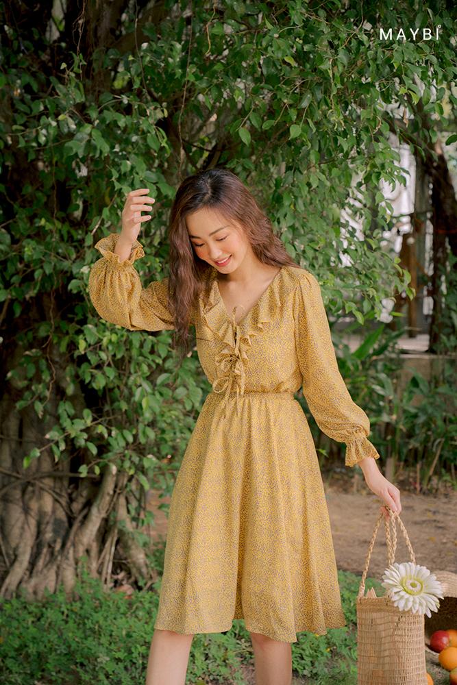 Đầm vàng bèo cổ - Voltage Dress