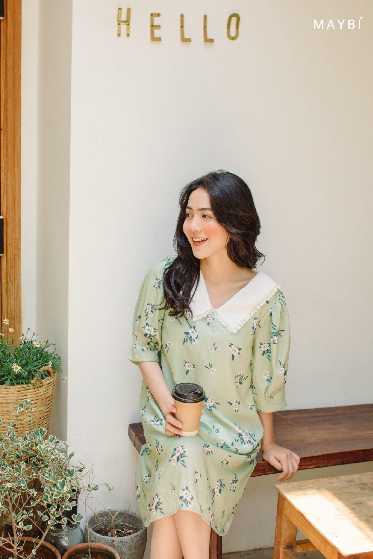 Đầm xanh bơ họa tiết cổ bèo Avocado Floral Dress