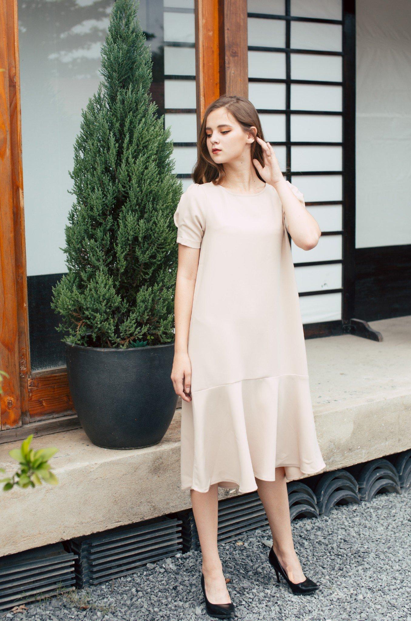 Đầm suông màu nude tay phồng nơ sau - Clotted Cream Dress