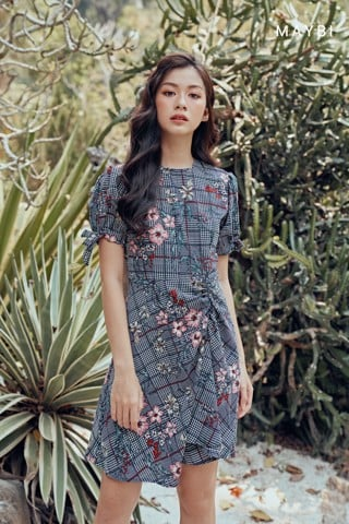 Đầm caro hoa - Checked Floral Dress