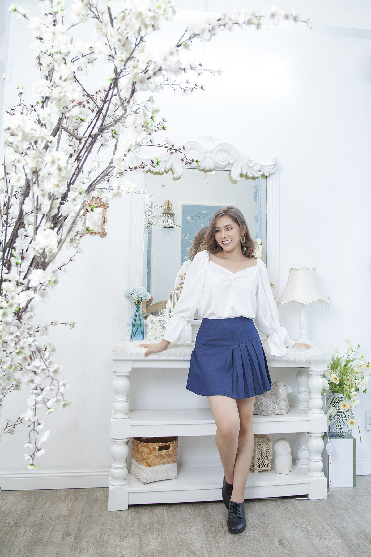 Chân váy A phối xếp li One-side pleated skirt with flat pocket
