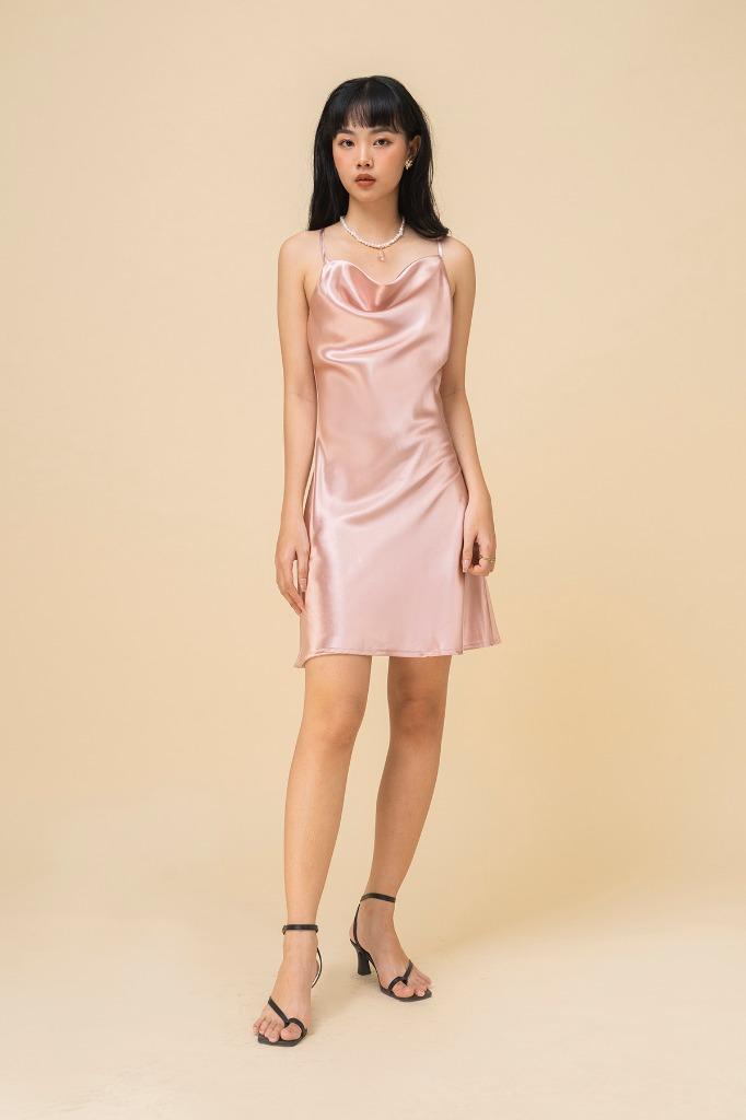 Đầm 2 dây cổ đổ Satinee dress