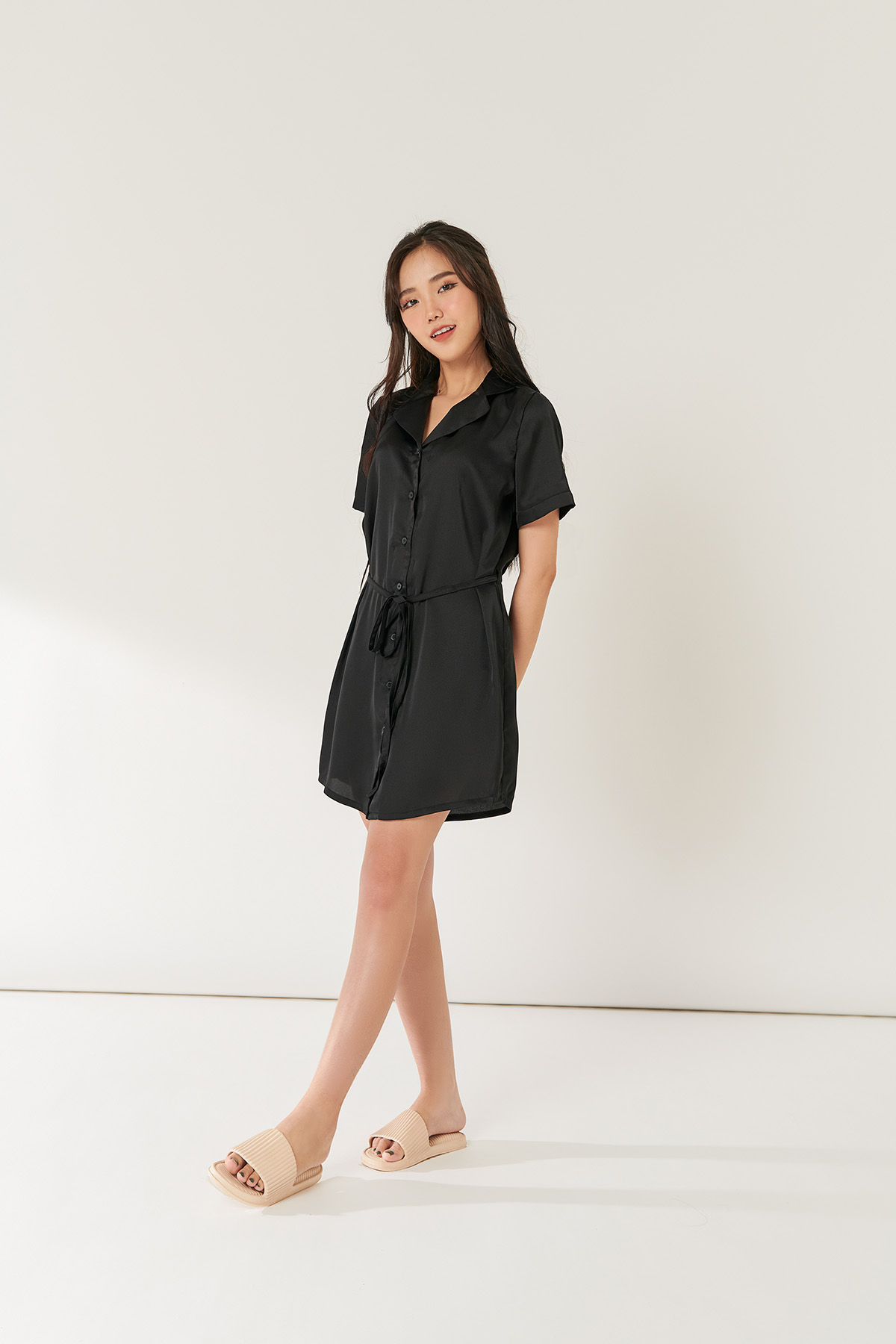 Đầm suông cổ danton đen - Black notched shift dress