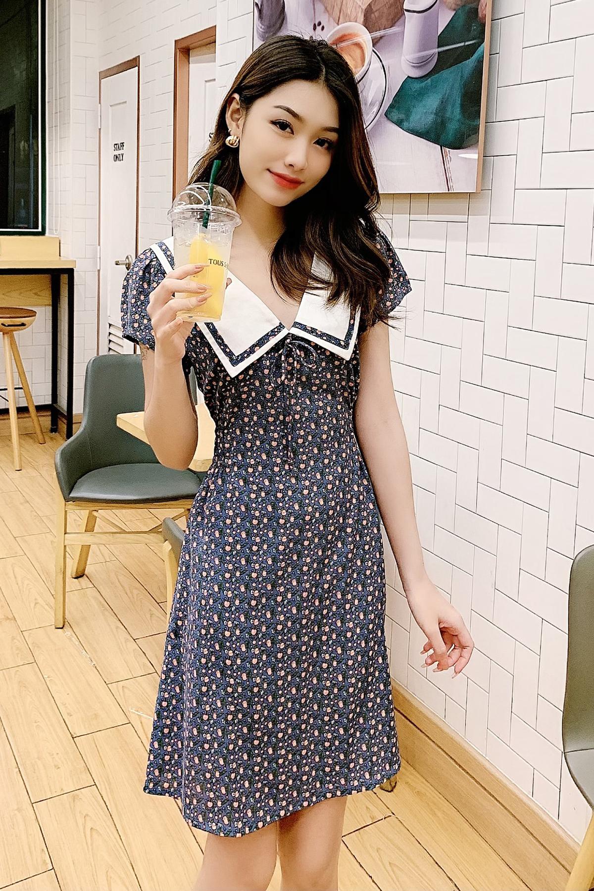 Đầm họa tiết xanh cổ thủy thủ Blue Pansy Sailor Dress