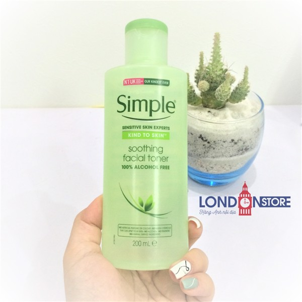 Nước Hoa Hồng Simple Soothing Facial Toner 200ml