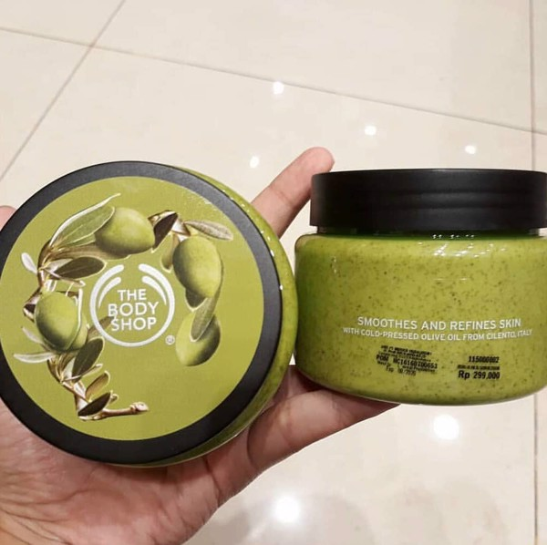 Tẩy tế bào chết body The Body Shop Olive Creamy Body Scrub 250ml