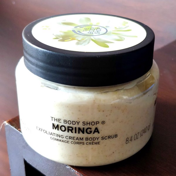 Tẩy da chết body The Body Shop Moringa Cream Body Scrub