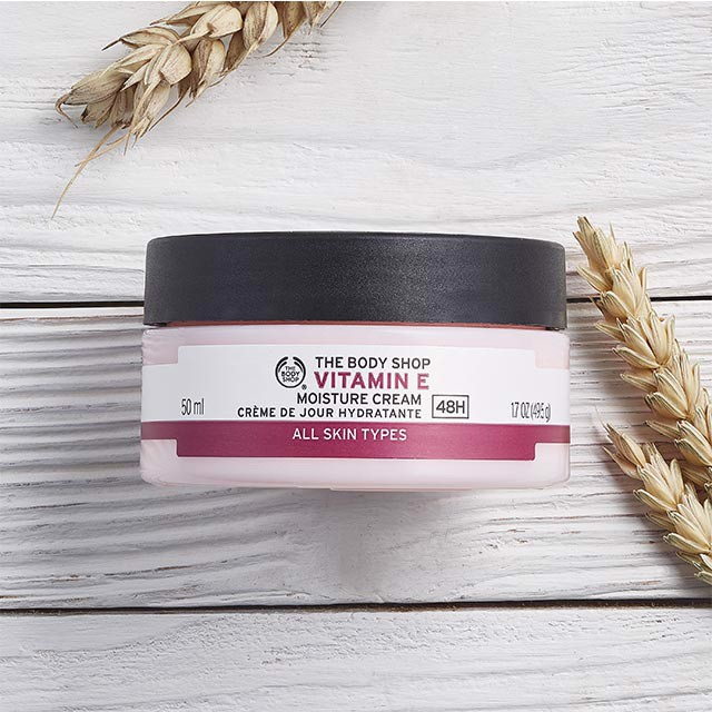 Kem Dưỡng Ẩm The Body Shop Vitamin E Moisture Cream 50ML