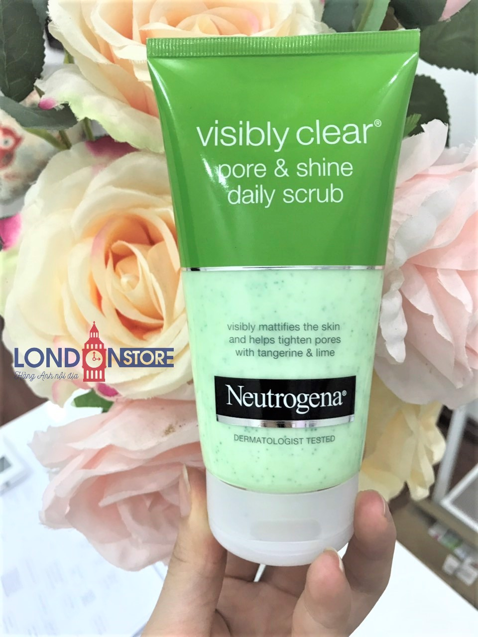 Sữa Rửa Mặt Neutrogena Visibly Clear Pore & Shine Daily Scrub