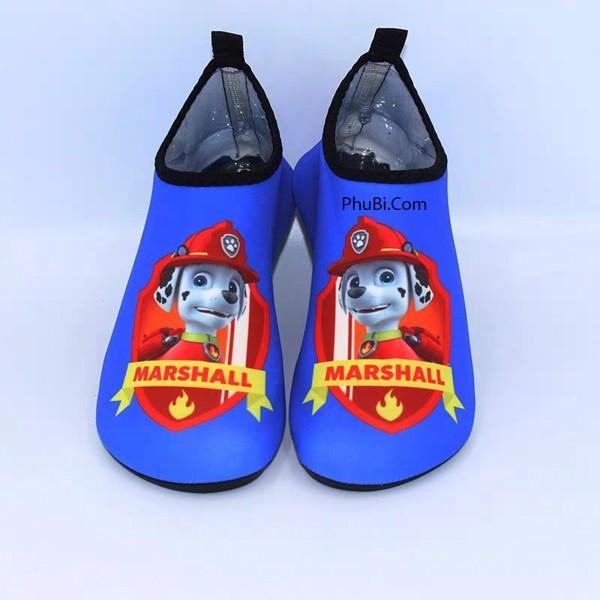 Giày đi biển trẻ em
