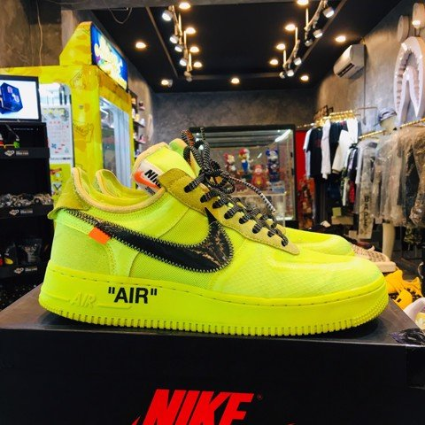 Nike Air Force x Off White Fluorescentes( Like New )
