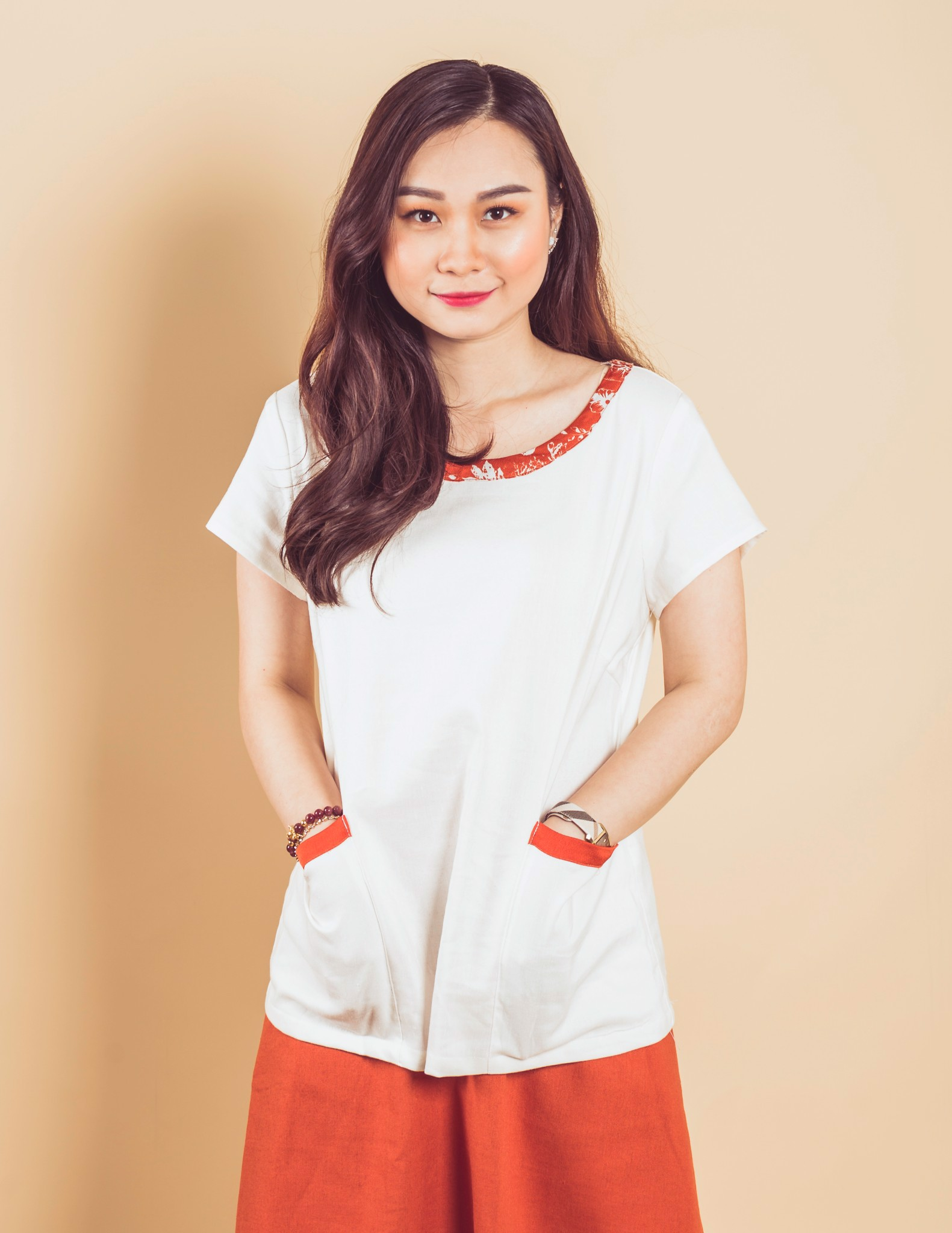 LINEN Top with pure silk detail sleeves and pockets