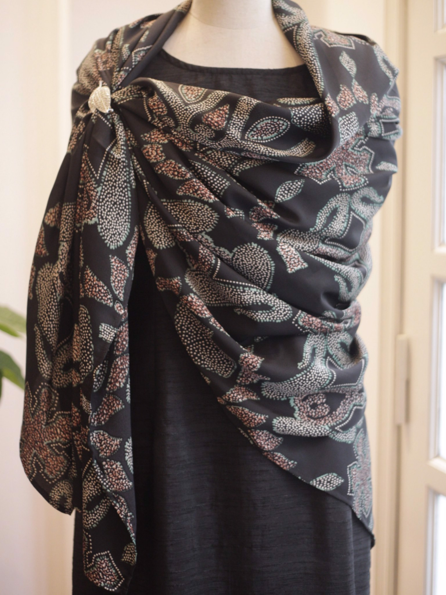 SILK Single layer Scarf 150 x 150