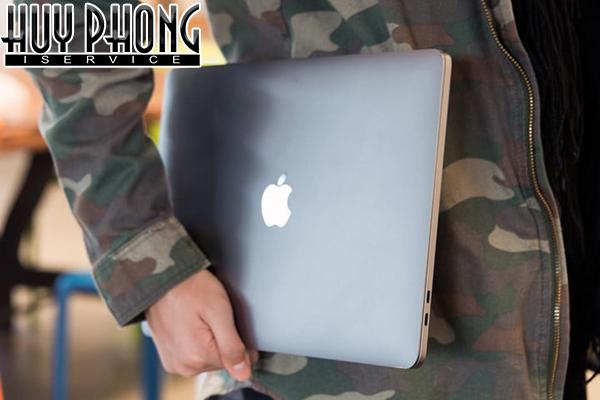 macbook-pro-2018-space-gray-512gb-13-inch-mr9r2-2
