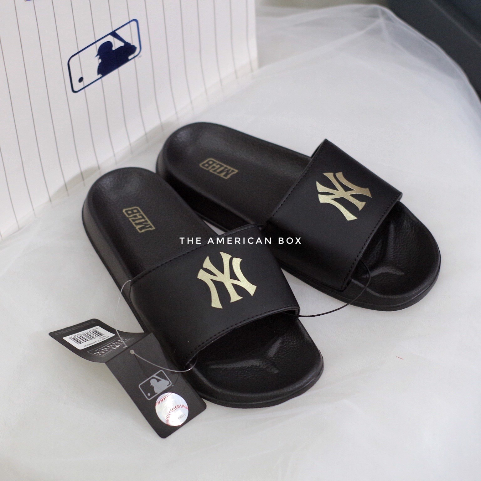DÉP MLB AUTHENTIC LOGO SLIDES - FULL BLACK GOLD (ĐEN TEM VÀNG)