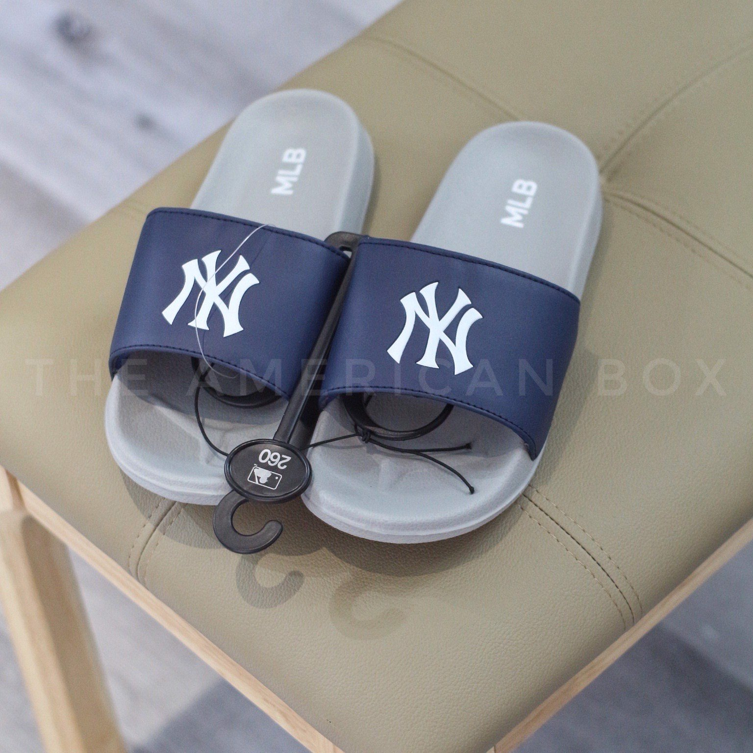 DÉP MLB AUTHENTIC LOGO SLIDES - NEW YORK NAVY