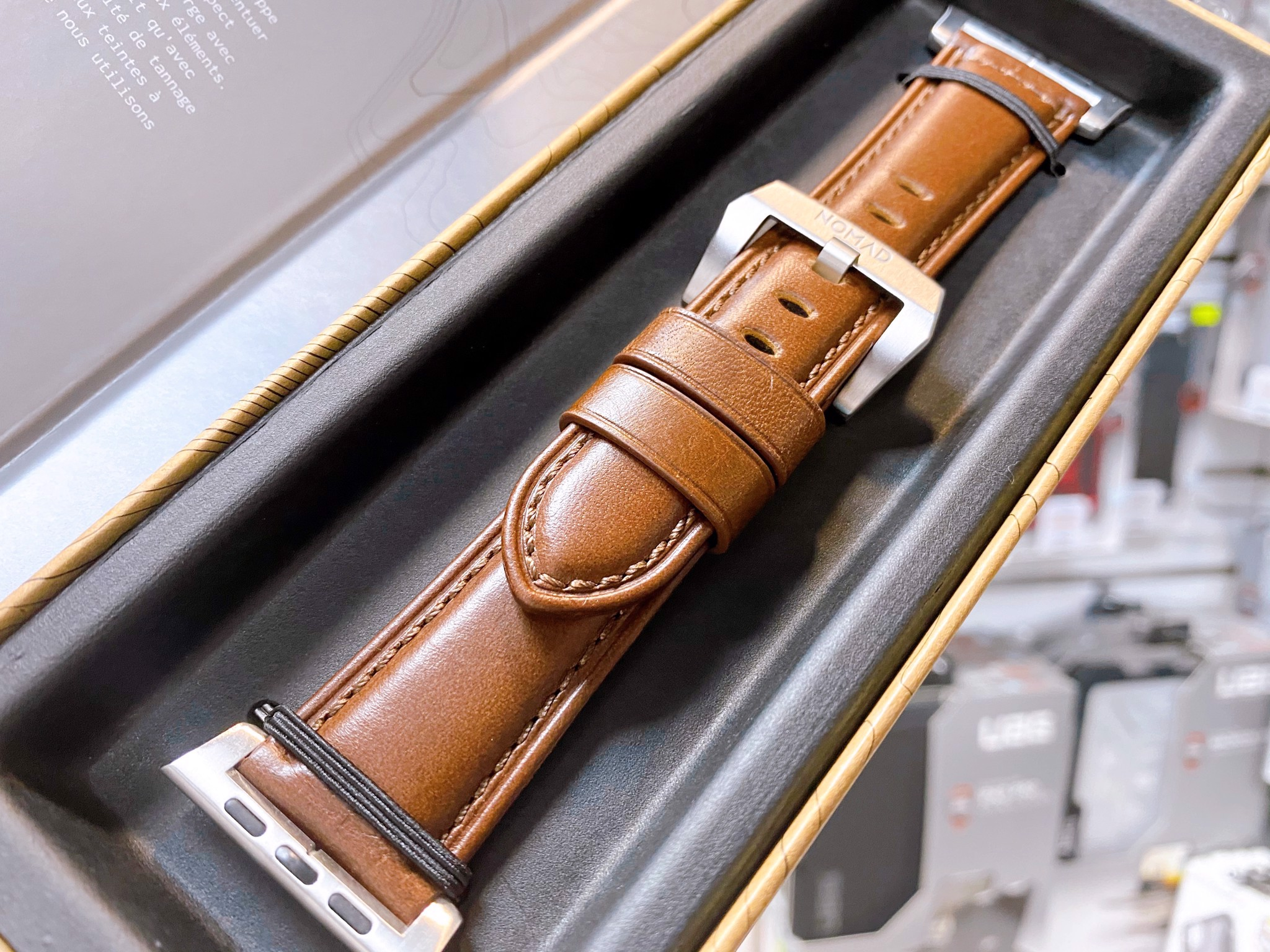 Dây Apple Watch NOMAD Traditional Strap Leather 44mm/42mm - Da Thật 100% Cao Cấp