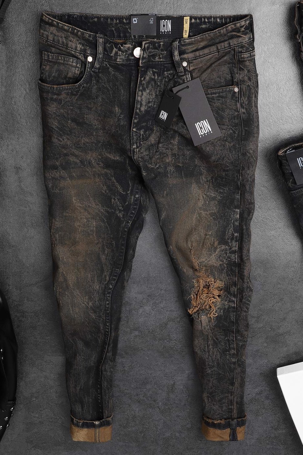 Quần Jean Rigid Wash