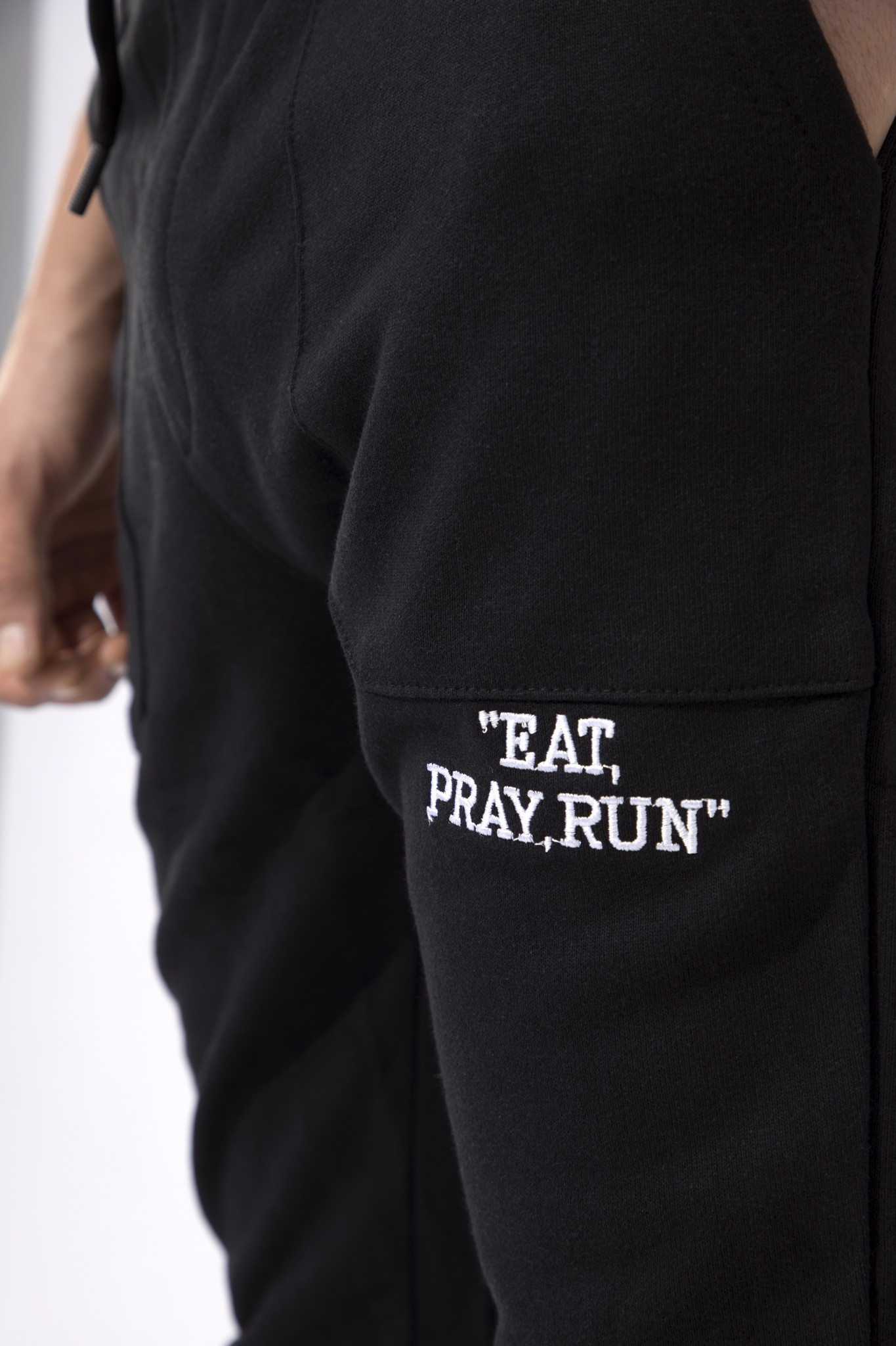 Quần Jogger Black Eat ,Pray, Run