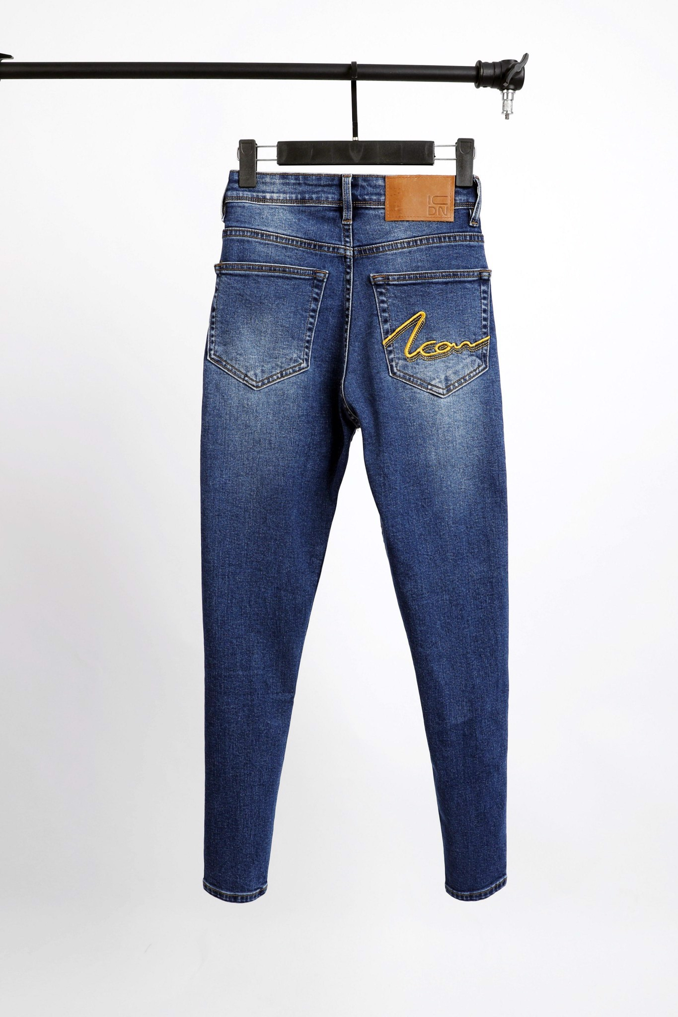 Quần Jean Slim W ICON Embroidered
