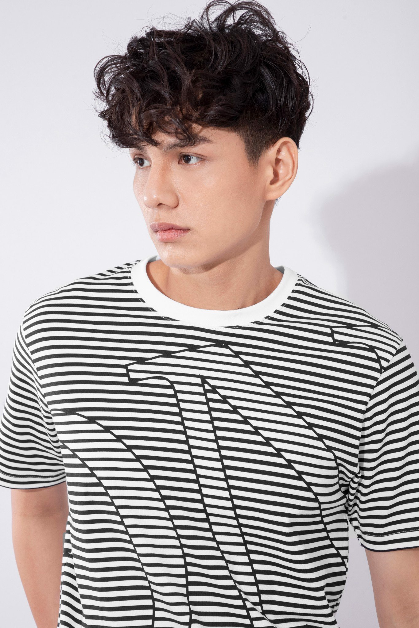 Áo Thun IC In Minimal Stripes