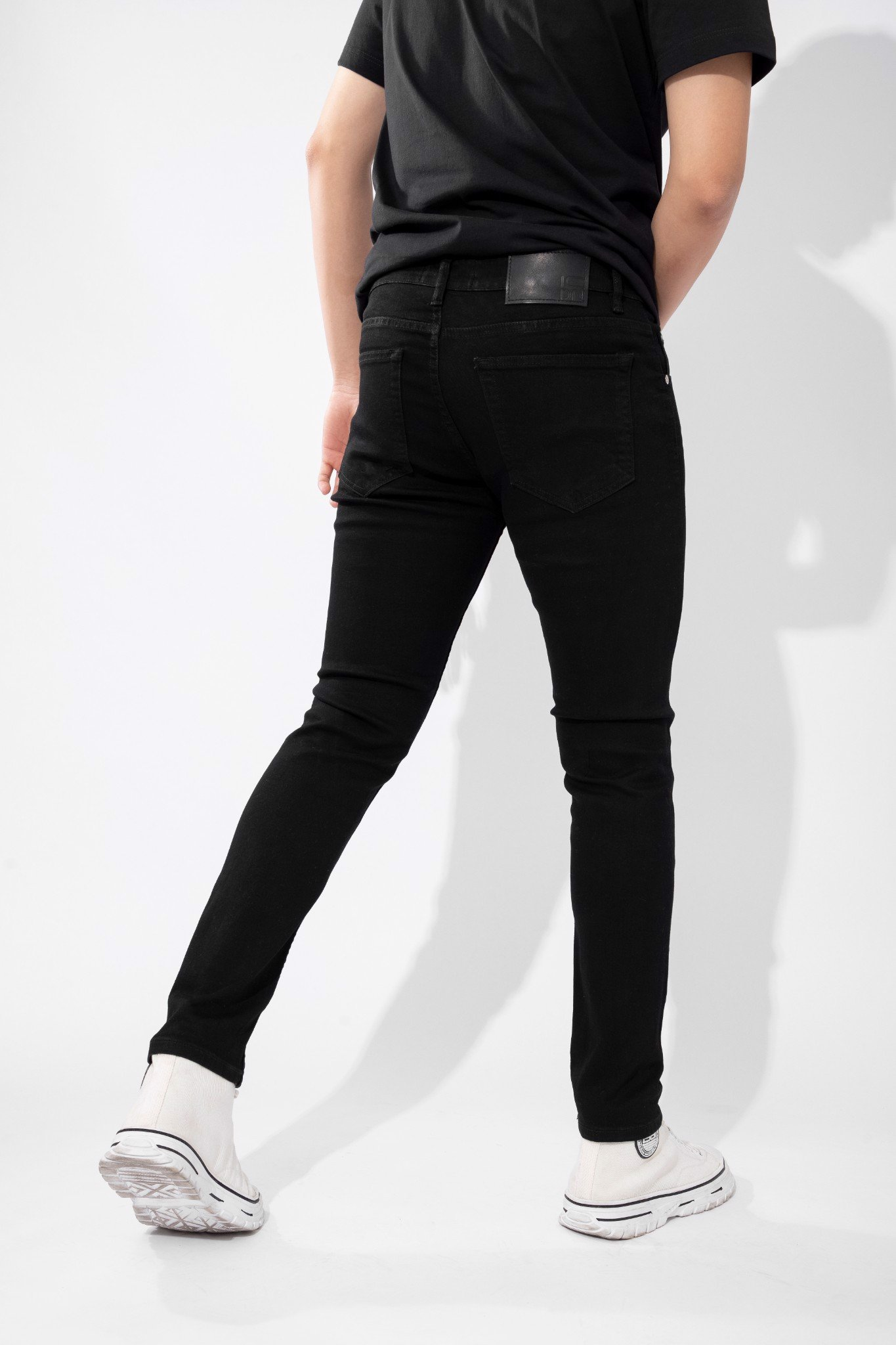 Quần Jean Skinny Stretch All Black W Mid Cut
