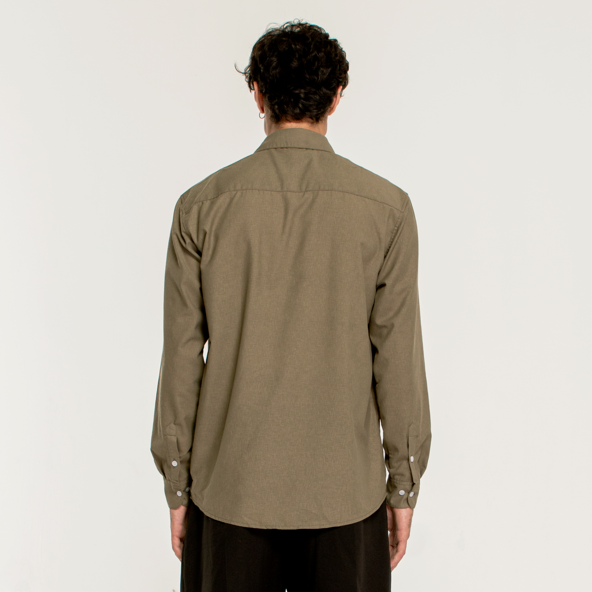 ESSENTIAL SHIRT/Moss Green