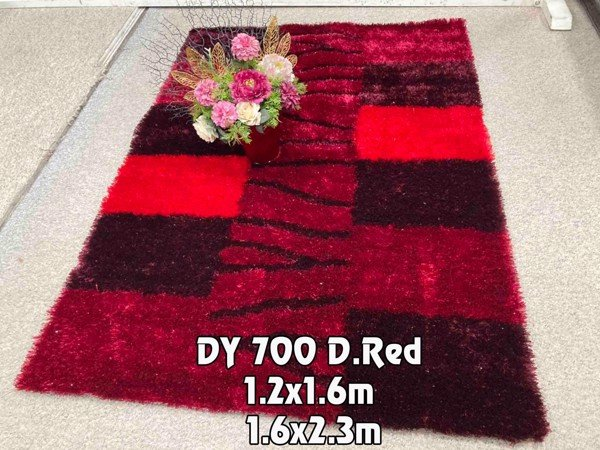 dy 700 d red