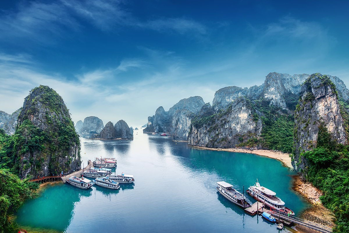 TOP LUXURY TOUR OF NINH BINH- HALONG BAY FROM HANOI IN 2020- 2021