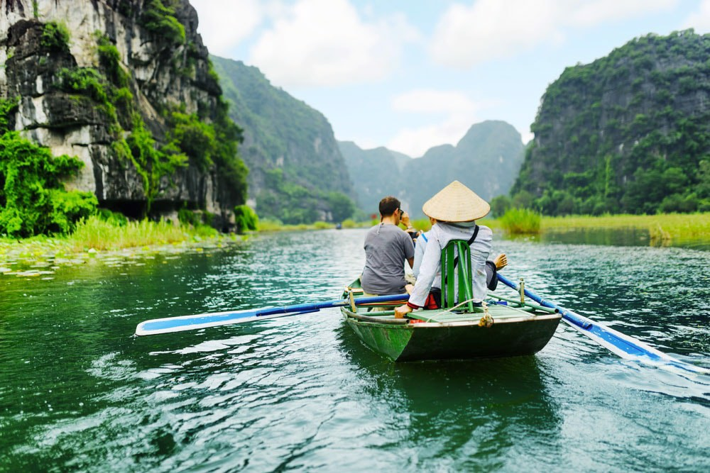 6 Day 5 Night Hanoi, Ninh Binh & Halong Tour from Singapore/ 2021-2022