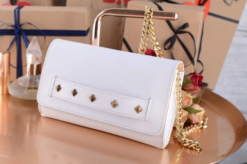 Christy Clutch đinh tán