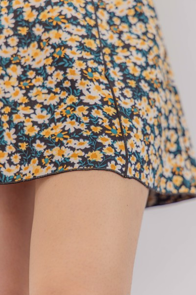 Floral Lettuce Hem Mini Skirt