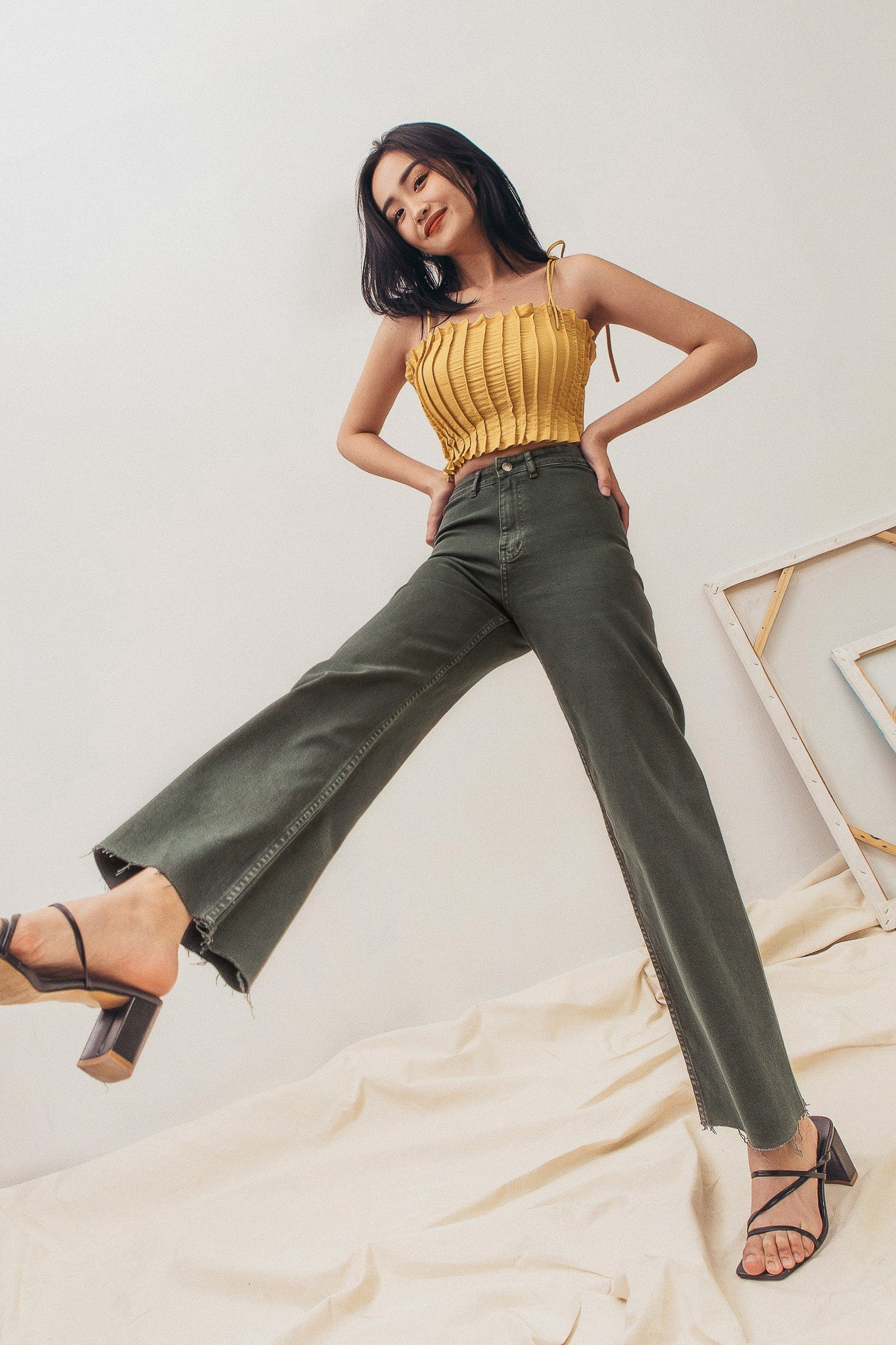 Wide Leg Jeans - Olive
