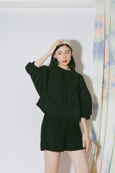 Black Batwing Sleeves Top