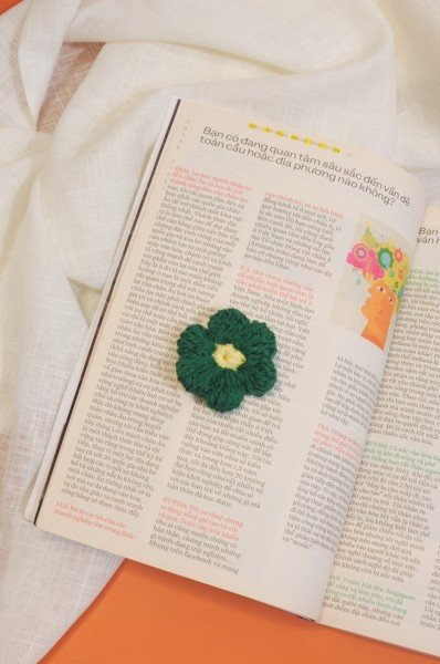 Crochet Flower Pin - Green