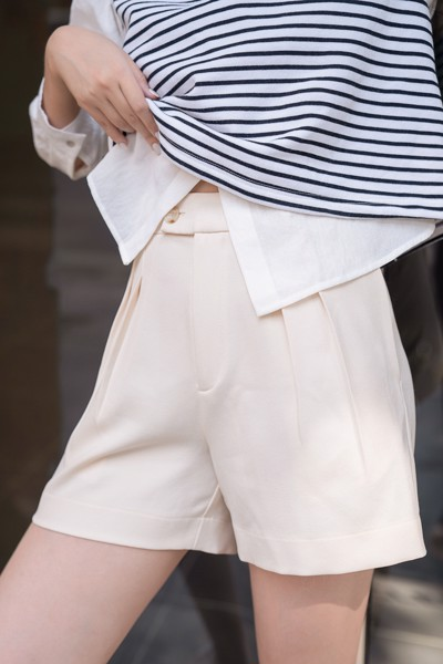 Ivory Darted Shorts