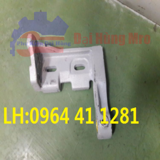 BRACKET LENO SELVEDGE STAY RH J51115-01020-0A