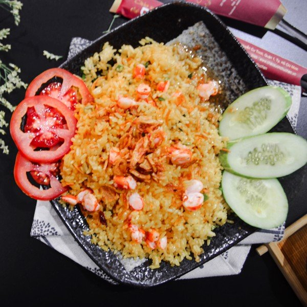 CƠM CHIÊN TÔM (Fried Rice With Shrimps)