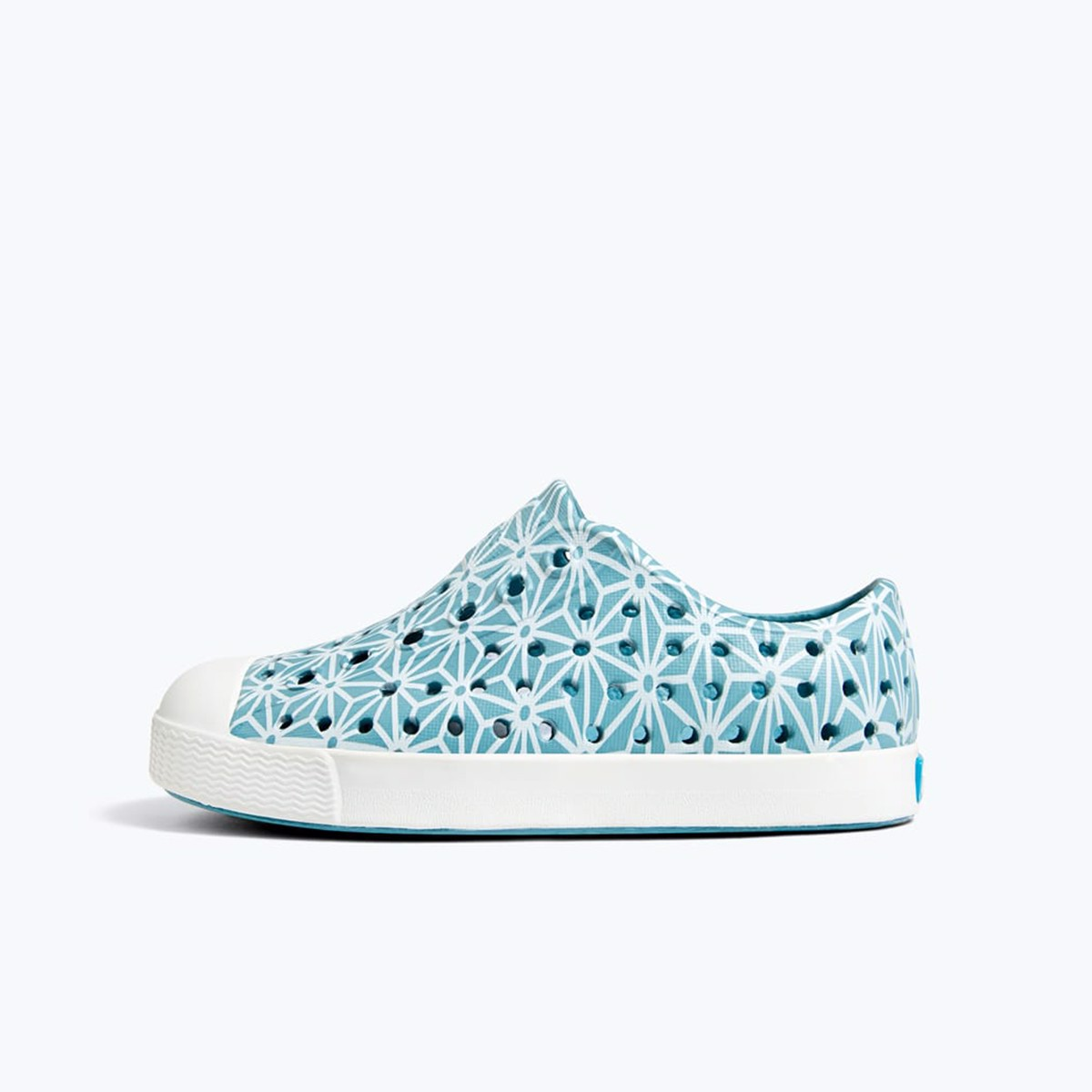 Giày native j jefferson print junior (12100101) fuji blue/ shell white/ asanoha