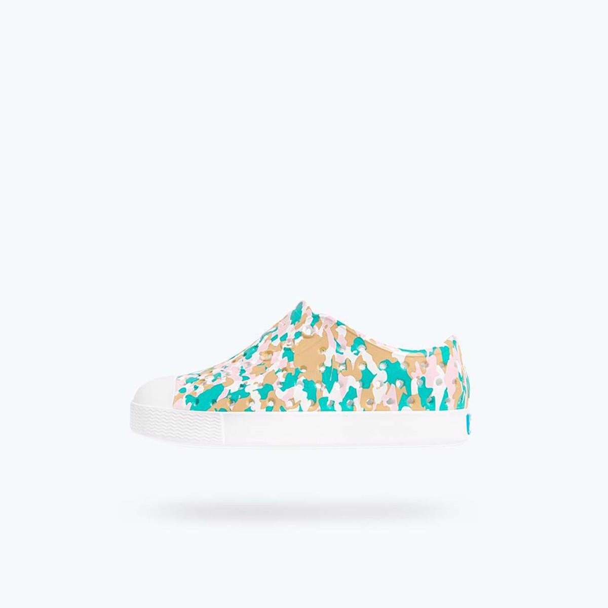 GIÀY NATIVE J JEFFERSON PRINT JUNIOR (12100101) SHELL WHITE/ SHELL WHITE/ KONPEITO