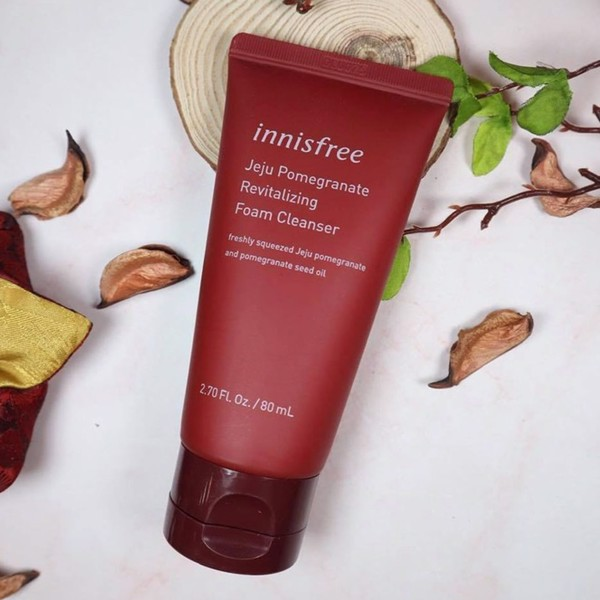 Sữa Rửa Mặt Innisfree Jeju Pomegranate Revitalizing Foam Cleanser 80ml