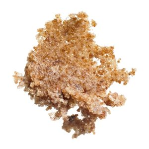 Sản phẩm có các hạt đường nâu mịn để tẩy sạch da chết 1