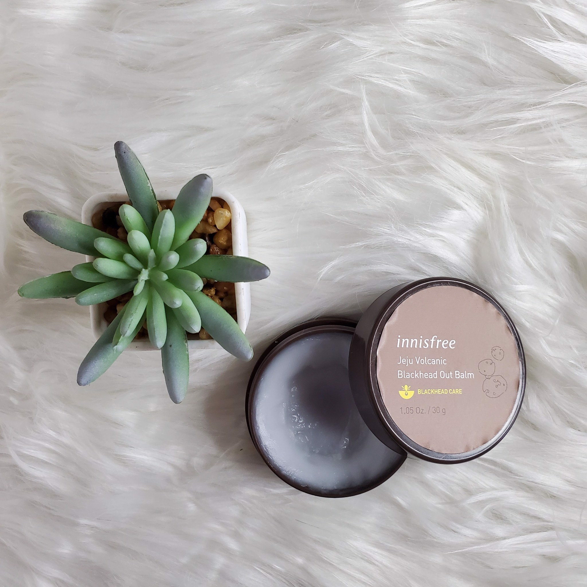 Sáp Trị Mụn Innisfree Jeju Volcanic Black Head Out Balm