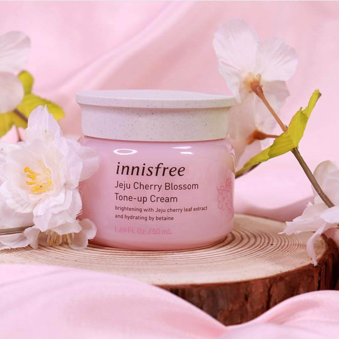 kem dưỡng Innisfree Jeju Cherry Blossom Tone Up Cream-bicicosmetics.vn