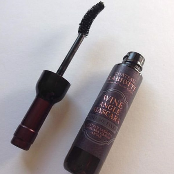 Labiotte Wine Angel Mascara Volume Fixer – 02